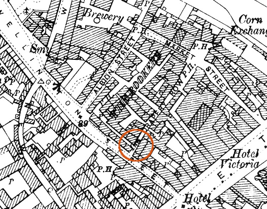 location of unidentified pub on 1901 OS map